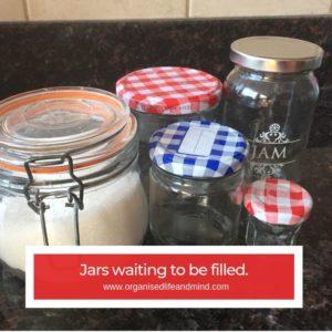 Jam jar filling